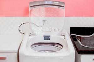 Lavadora suja estraga as roupas; veja como limpar o eletrodoméstico - Rodrigo Capote/UOL