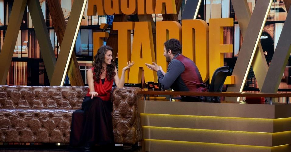 27.mai.2014 - Maria Fernanda Cândida deu entrevista para Rafinha Bastos no