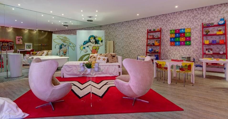 A arquiteta Maite Maiani assina a Brinquedoteca, uma área de 240 m² dividida em dois ambientes: o espaço inspirado pelo Batman e outro com o tema