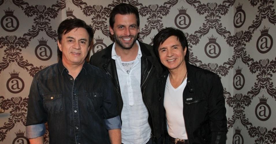 3.jun.2014 - Henri Castelli prestigia o show da dupla Chitãozinho e Xororó no Club A, no bairro do Brooklin Novo, na zona sul de São Paulo