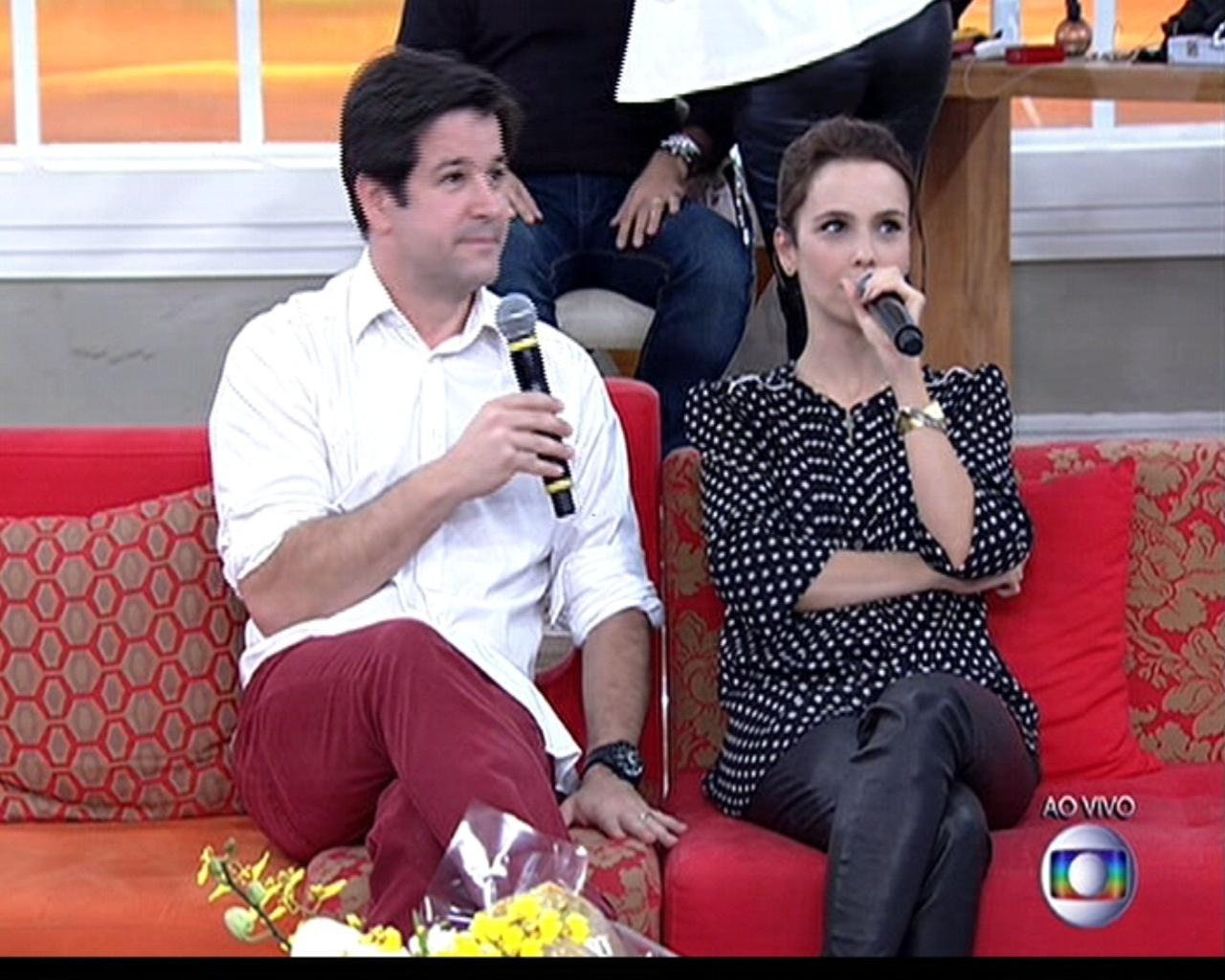 5.jun.2014 - Murilo Benício surpreende Débora Falabella e aparece no