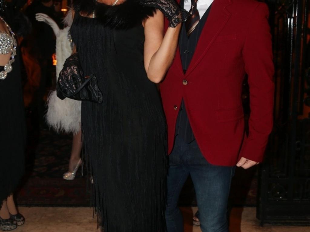 5.jun.2014 - Adriane Galisteu e Alexandre Iodice se divertem na festa de aniversário de Andrea Guimarães, em São Paulo