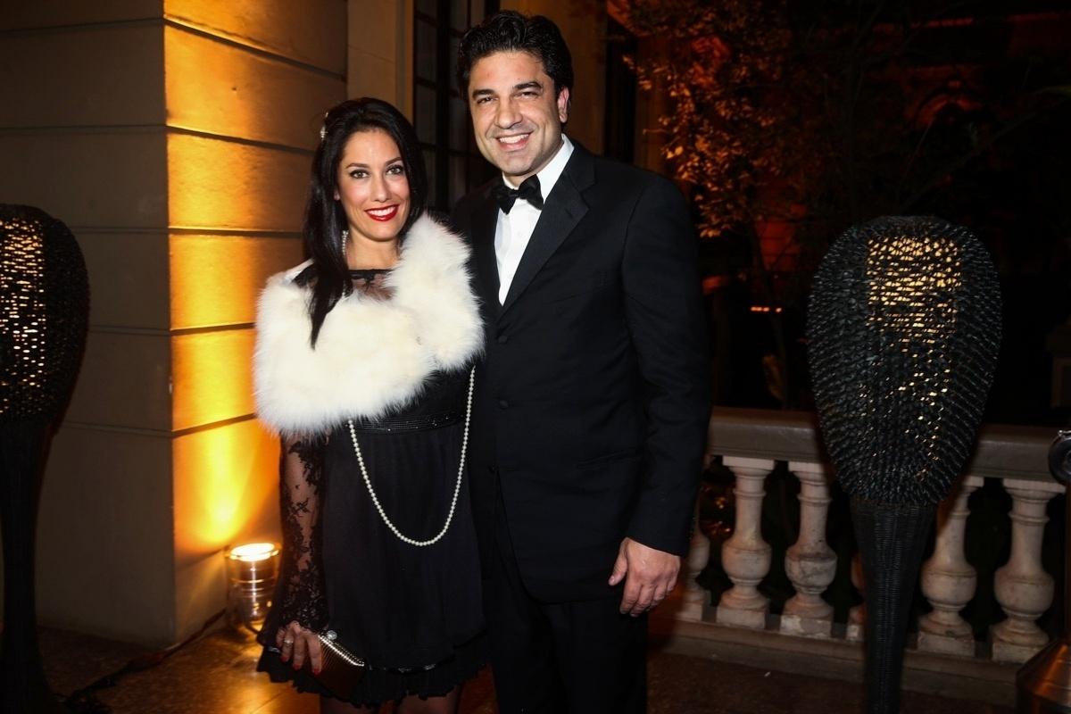 5.jun.2014 - Edu Guedes leva sua namorada, Thais Jerez, à festa de aniversário de Andrea Guimarães, em São Paulo