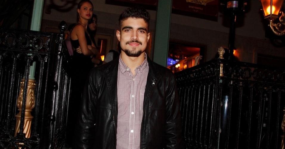 6.jun.2014 - Caio Castro compareceu à inauguração de um restaurante, na zona sul de São Paulo