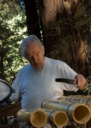 O baterista e percussionista Hélcio Milito, que ficou conhecido como fundador do grupo Tamba Trio