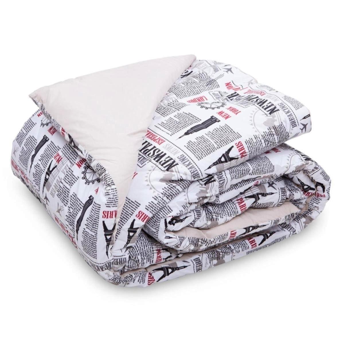 O edredom padrão solteiro em algodão, com enchimento em poliéster, tem estampa inspirada nos jornais e em pontos turísticos famosos. A peça pode ser adquirida na Havan (www.havan.com.br) | Consulte o fornecedor para outras informações