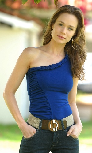 Mariana Ximenes como a Clara de