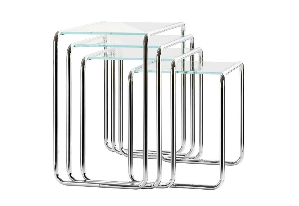 Mesas B9 - Criadas pelo húngaro Marcel Breuer (1902-1981) no período em que ele esteve na escola alemã de design, artes plásticas e arquitetura Bauhaus, as mesas B9 (1925-26) são o resultado do estudo que o designer fez sobre o aço tubular. Empilháveis, são encontradas em quatro tamanhos e fazem parte ainda hoje do catálogo da Thonet
