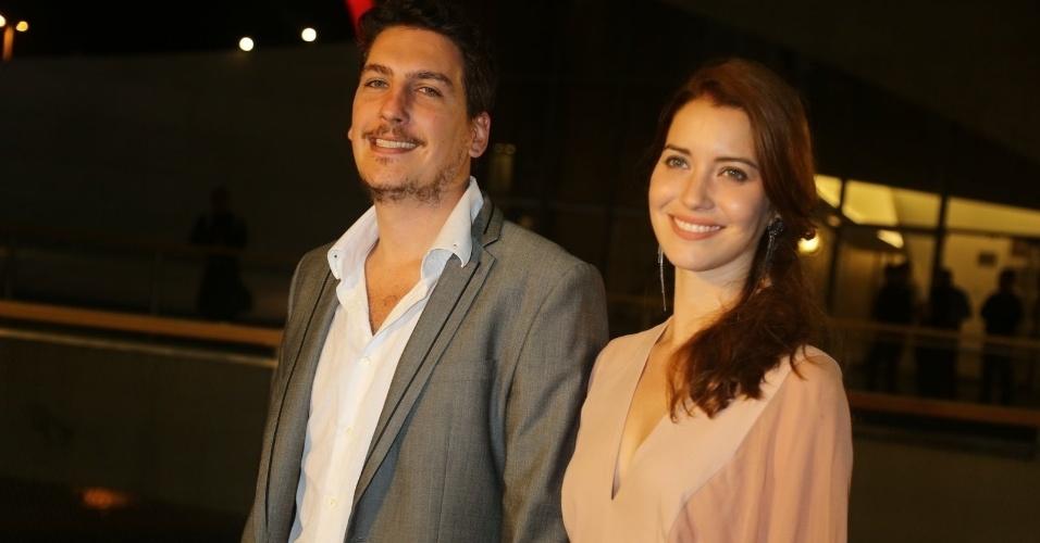 O músico e escritor Caio Sóh e a atriz Nathalia Dill estão juntos desde 2011