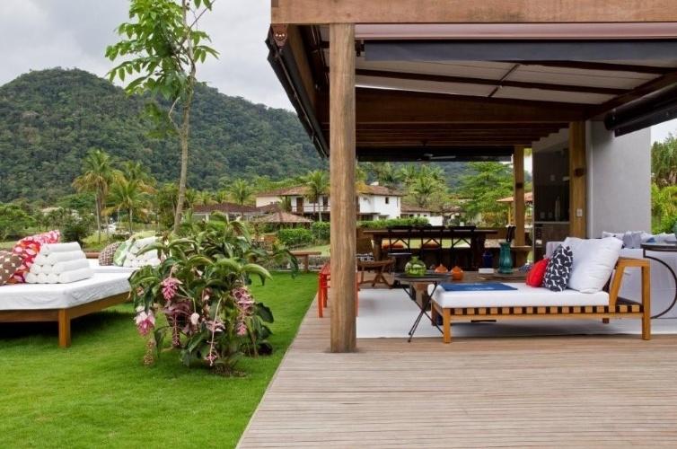 Integrada ao verde casa de praia alia conforto - Decoradora de casas ...