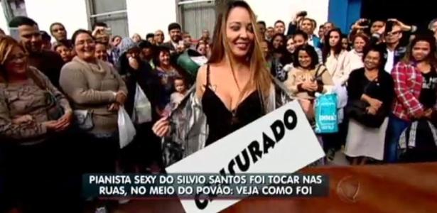 """Pianista que ficou nua ao lado de Silvio Santos, tira a roupa no """"Balanço Geral"""", da Record"""