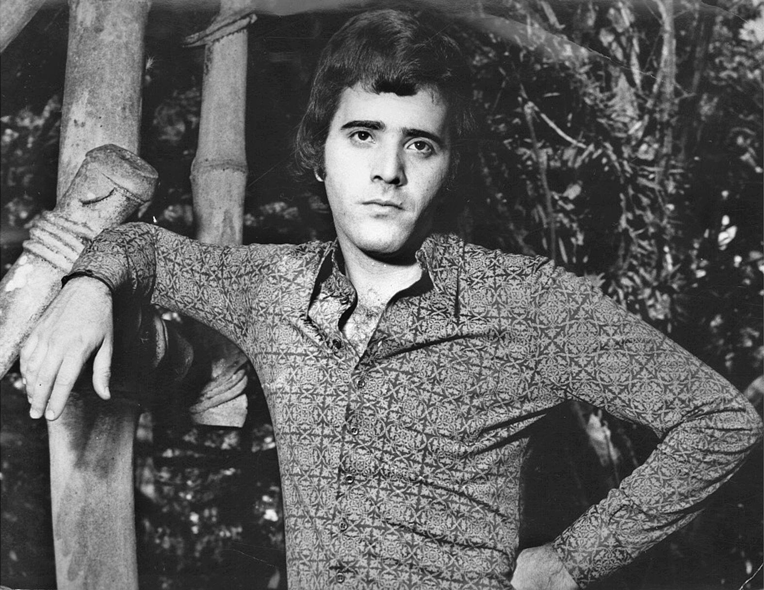 1975 - O ator Tony Ramos em cena da primeira versão da novela na novela