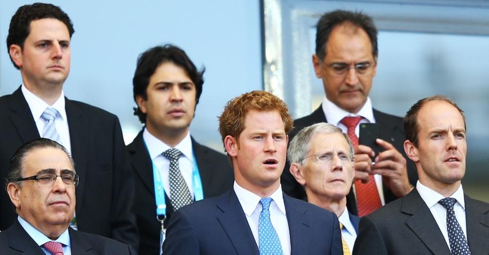 24.jun.2014 - Príncipe Harry assiste ao jogo Inglaterra x Costa Rica no estádio Mineirão, em Belo Horizonte