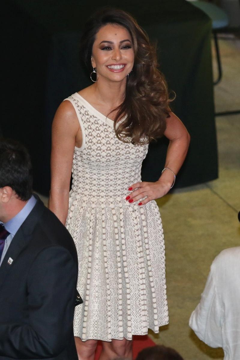 25.jun.2014 - Sabrina Sato chega a jantar para o Príncipe Harry no Centro Brasileiro Britânico, em Pinheiros São Paulo. O príncipe está em visita oficial ao Brasil e visitou projetos sociais em Cubatão e Diadema nesta quarta-feira