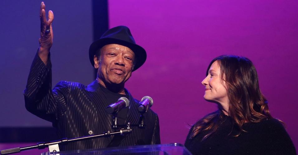26.fev.2014 - O músico Bobby Womack participa da cerimônia do prêmio do Sindicato dos Supervisores Musicais em Los Angeles