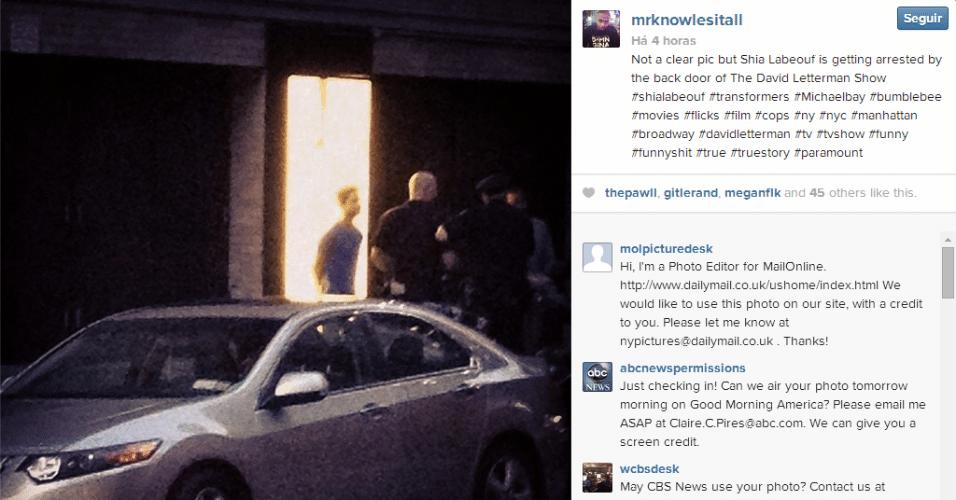 Shia LaBeouf é preso no teatro Studio 54, em Nova York, e sai pela porta dos fundos