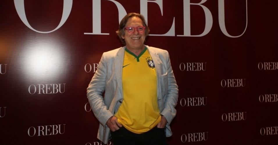3.jul.2014- Em clima de Copa, José de Abreu vai à festa de