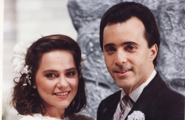 Débora (Vivianne Pasmanter) e Álvaro Peixoto (Tony Ramos) em