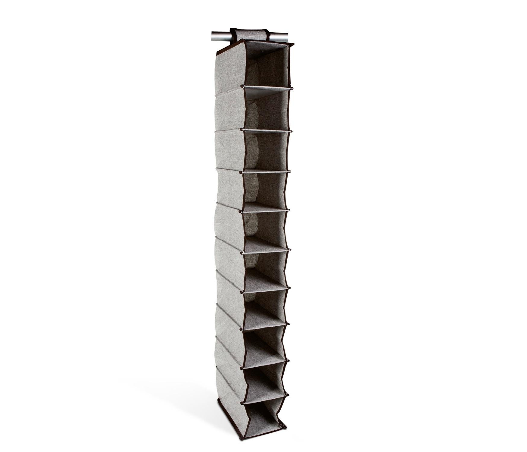 13.O organizador de sapatos é feito de lona e tem dez compartimentos. O produto é vendido na Etna (www.etna.com.br) por R$ 49,99 I Preços pesquisados em julho de 2014 e sujeitos a alterações