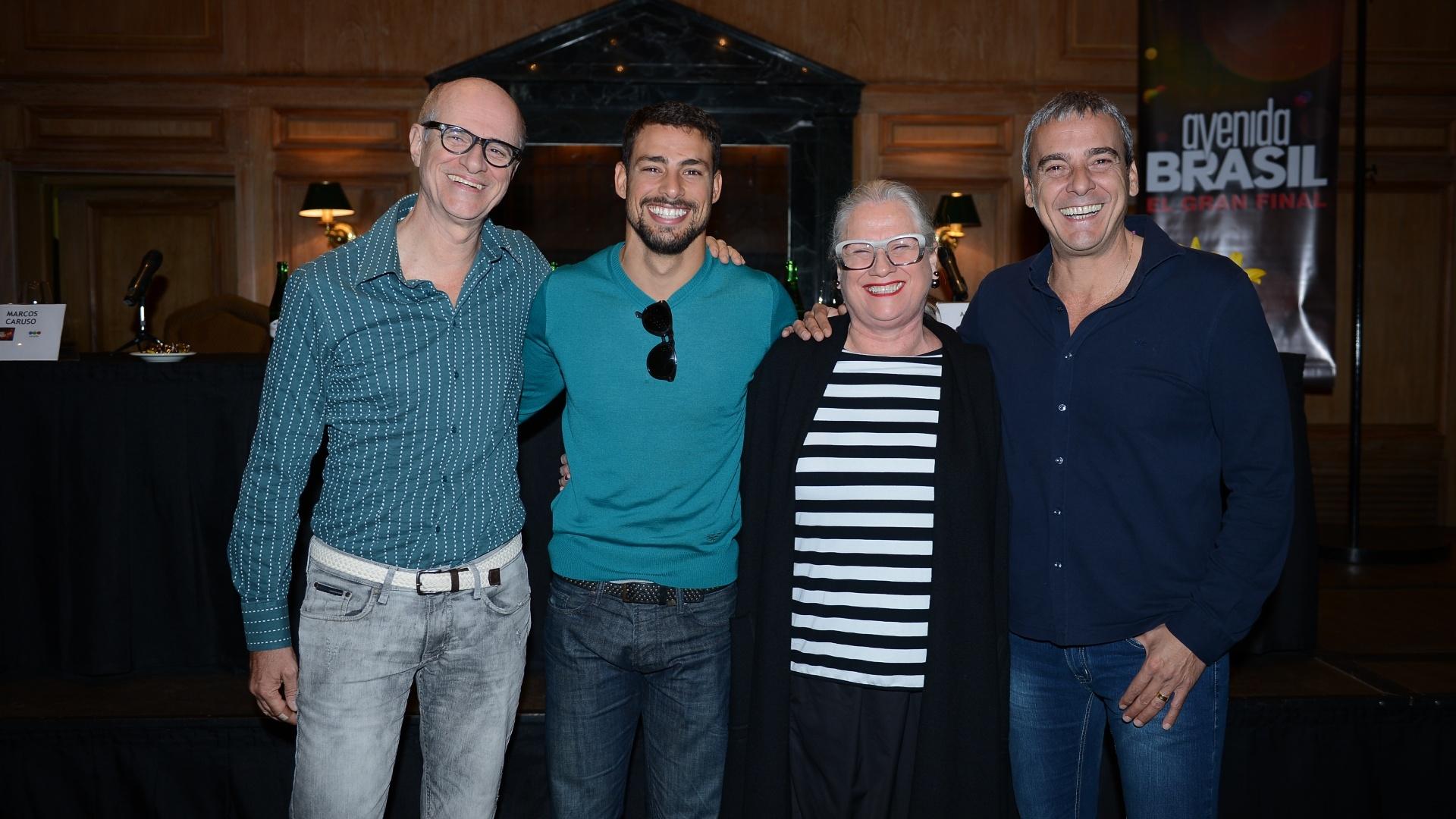 7.jul.2014 - Cauã Reymond, Marcos Caruso, Vera Holtz e Alexandre Borges participam de evento na Argentina para a apresentação do último capítulo de