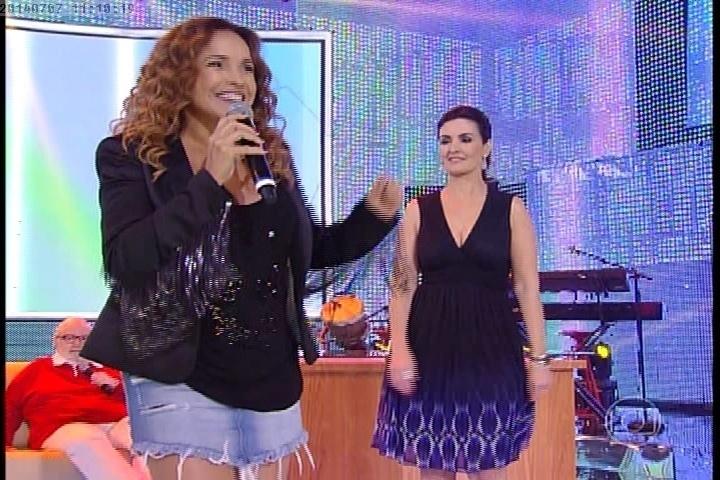 7.jul.2014 - Daniele Mercury se apresenta no