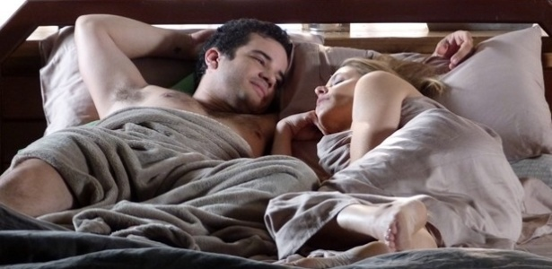 Silvia bebe demais e acaba passando a noite com Felipe, que adora