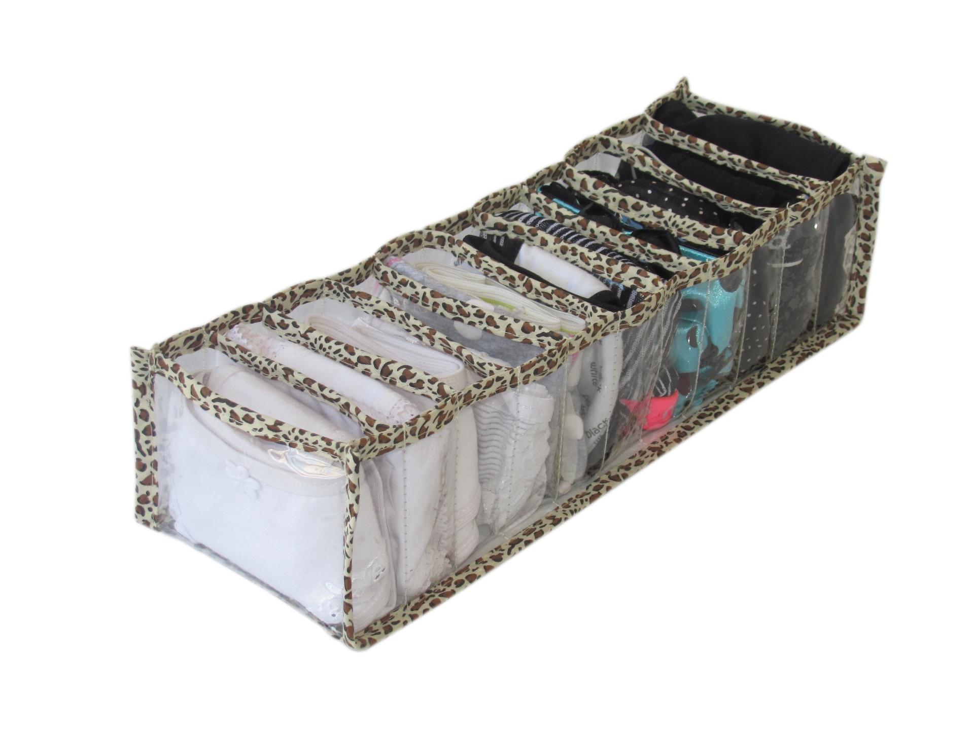 O kit com dois organizadores de gavetas e dois sachês perfumados da Anasuil pode ser comprado no ShopLuxo (www.shopluxo.com.br) por R$ 77,50 I Preços pesquisados em julho de 2014 e sujeitos a alterações