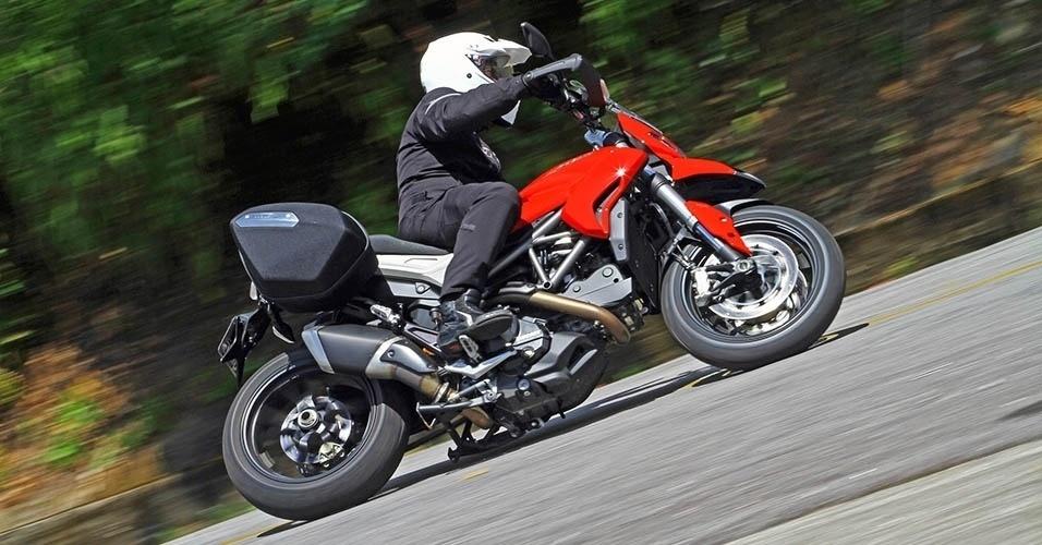 Ducati Hyperstrada 2014