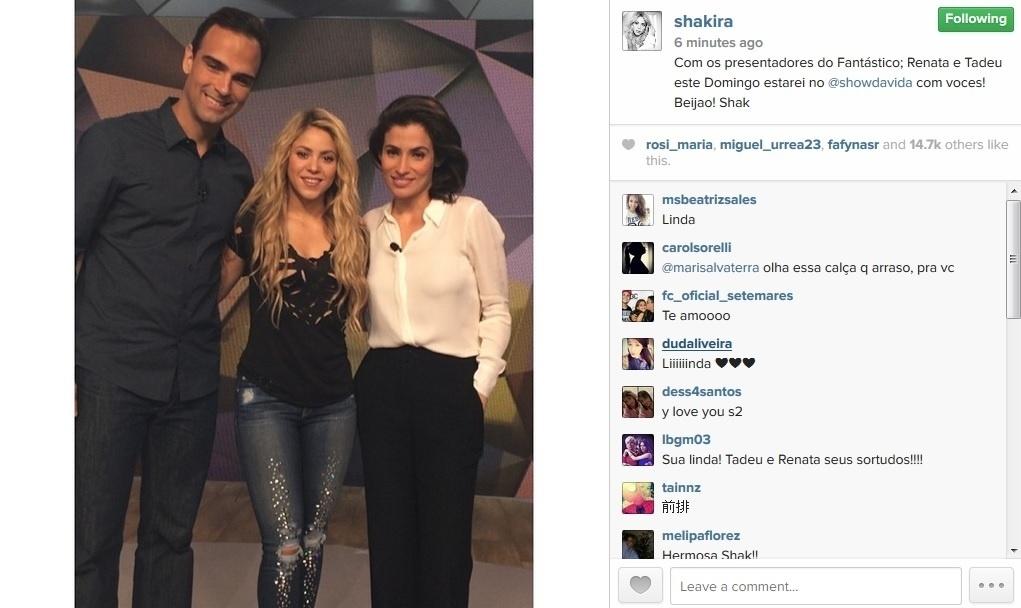 11.jul.2014 - A cantora Shakira fez um pocket show no programa