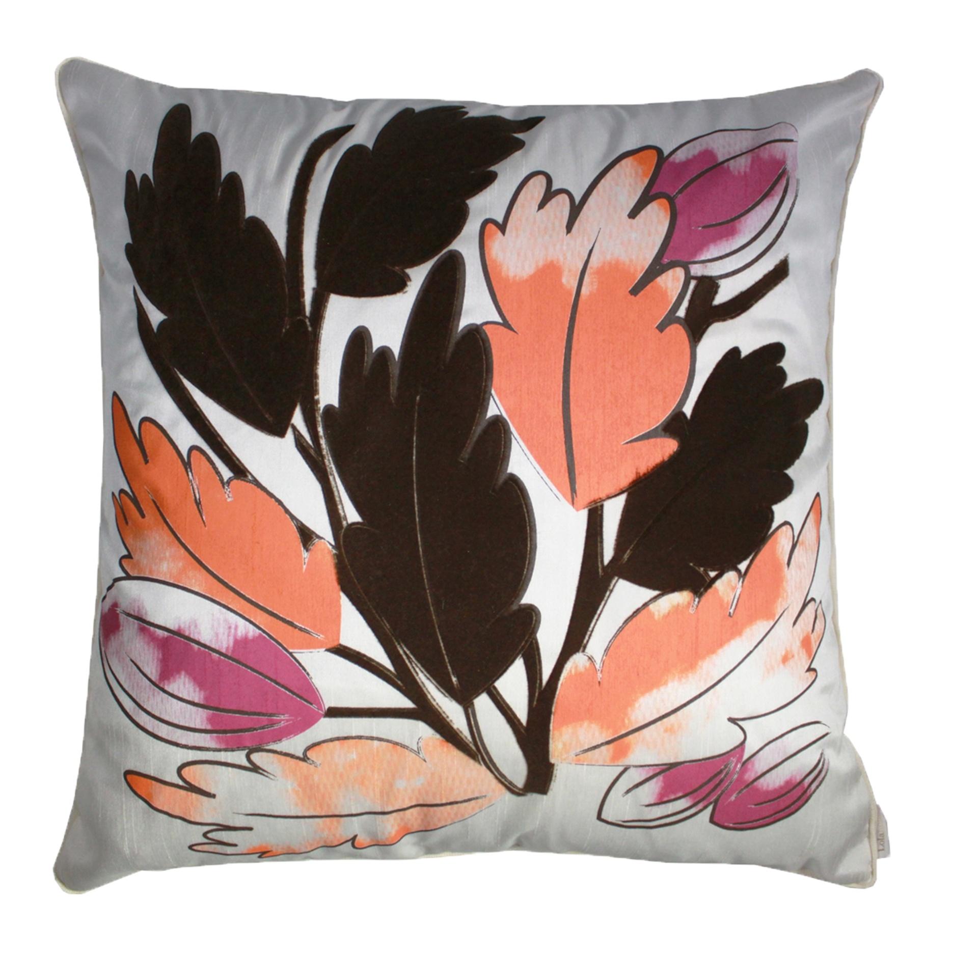 A almofada Cacau, confeccionada em seda, é um dos produtos da Lolahome (www.lolahome.com.br) | Para outras informações, consulte o fornecedor