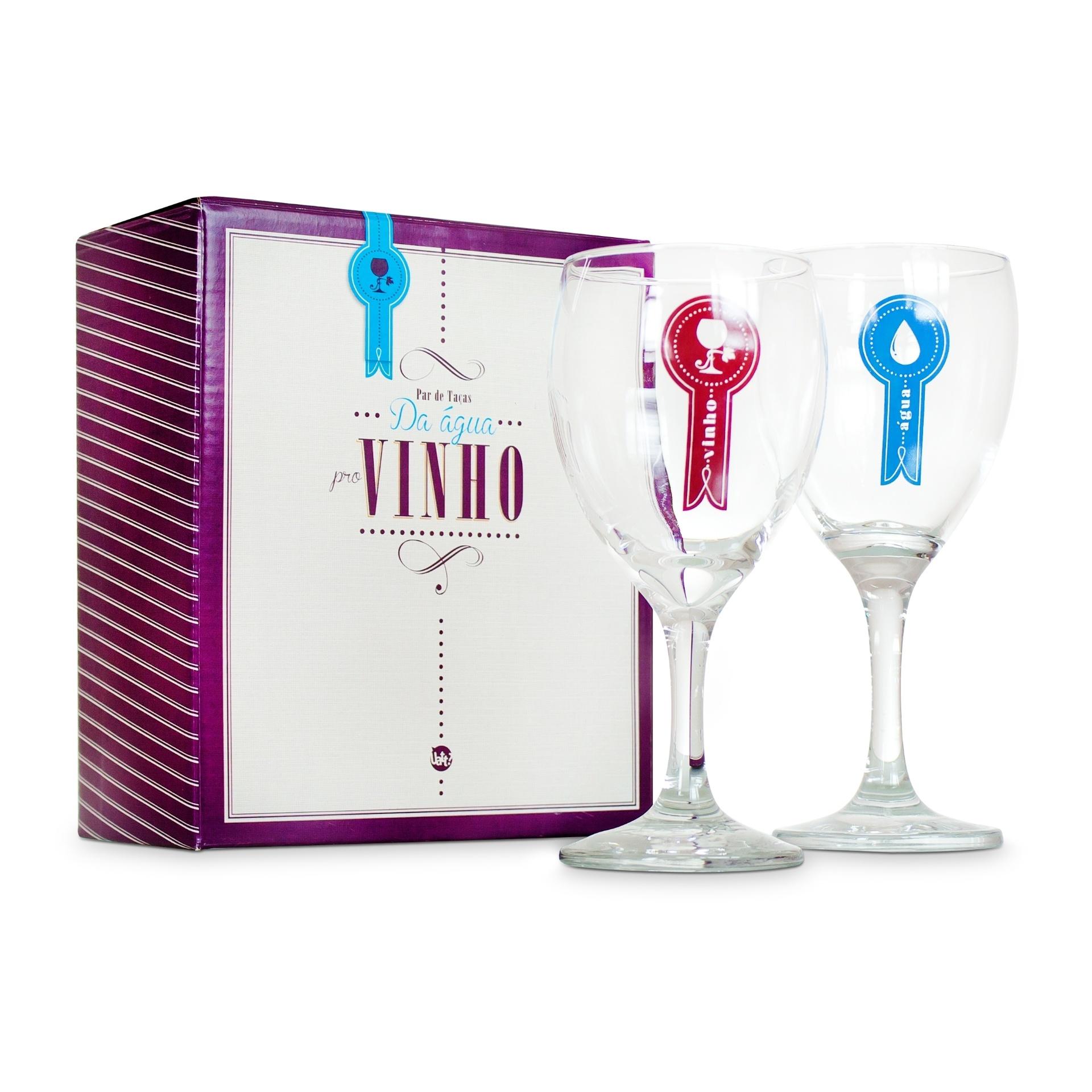 O par de taças Da Água pro Vinho, feito de vidro, pode ser comprado na Uatt (www.lojauatt.com.br) | Para outras informações, consulte o fornecedor