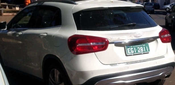 Mercedes-Benz GLA flagrado pelo leitor Murilo Fazanaro em Iracemápolis (SP)