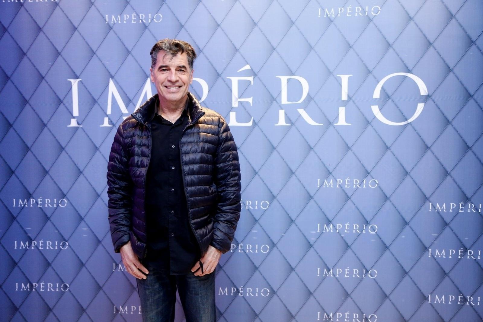 19.jul.2014 - Paulo Bettu prestigiou a festa de lançamento da novela