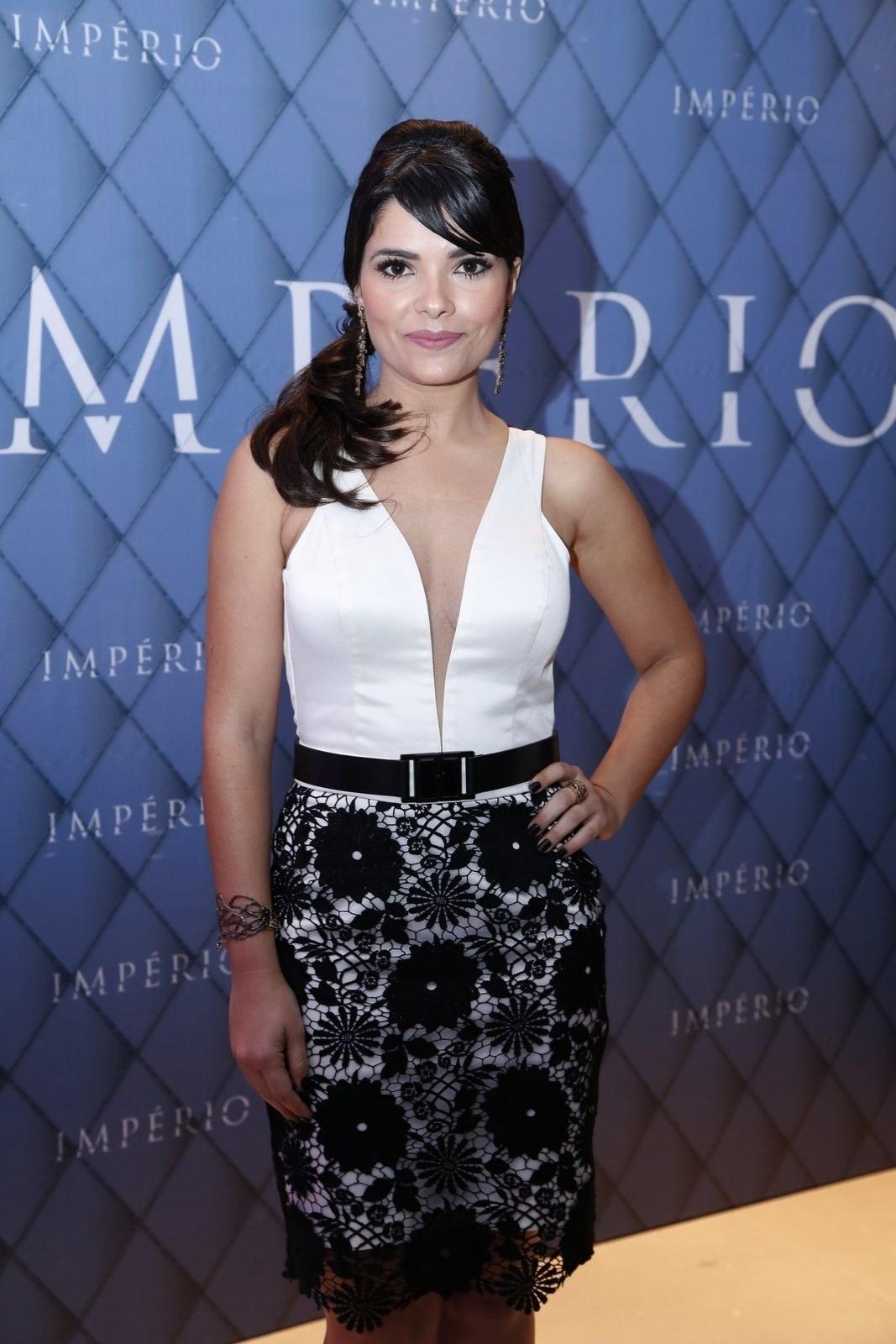19.jul.2014 - Vanessa Giácomo prestigiou a festa de lançamento da novela