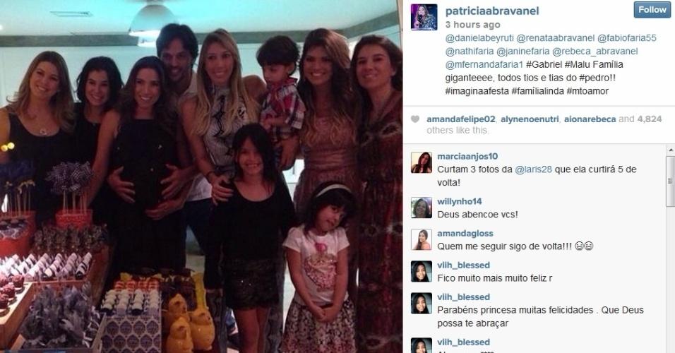 20.jul.2014 - Patrícia e as irmãs, Daniela, Renata e Rebeca, no chá de bebê