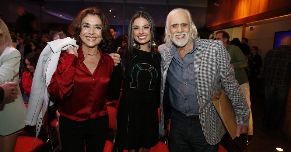 22.jul.2014 -  Betty Faria, Isis Valverde e Francisco Cuoco