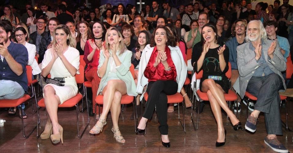 "22.jul.2014 - Deborah Secco, Bianca Bin. Betty Faria, Isis Valverde e Francisco Cuoco se divertem em coletiva de ""Boogie Oogie"""