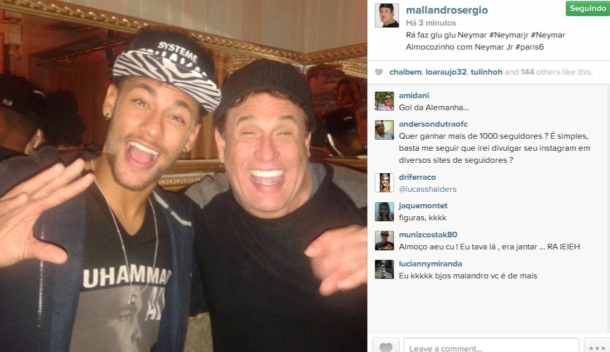 22.jul.2014- Sergio Mallandro coloca Neymar para fazer