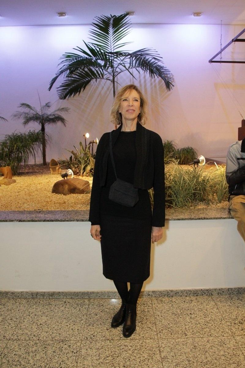 24.jul.2014 - Marília Gabriela prestigiou a estreia da peça
