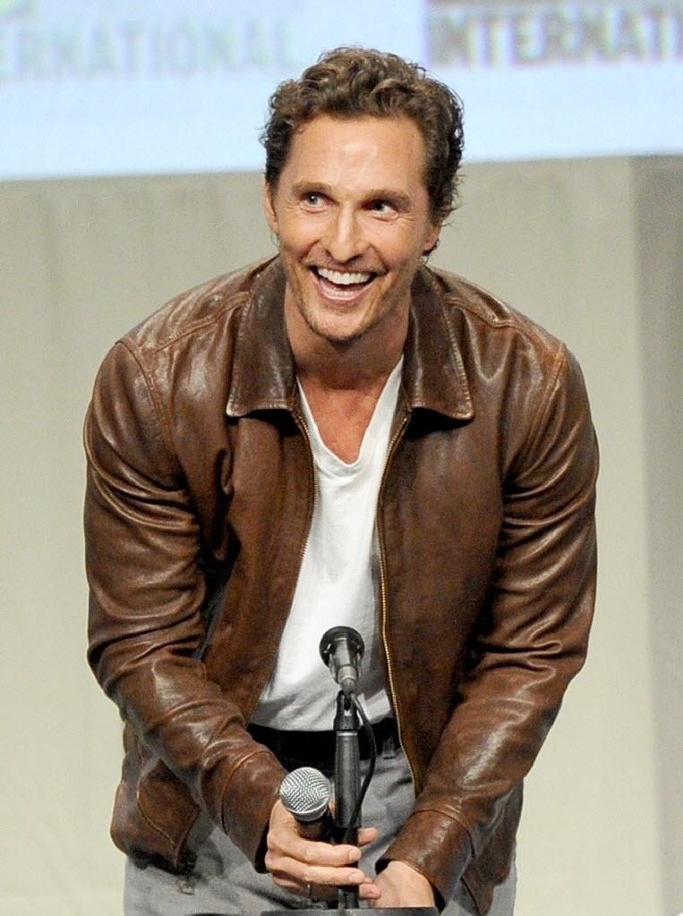 24.jul.2014 - Matthew McConaughey interpreta um piloto, viúvo e pai de dois filhos que terá de encarar sua missão mais importante na ficção científica