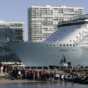Navio Oasis of the Seas, atracado em Fort Lauderdale, nos EUA