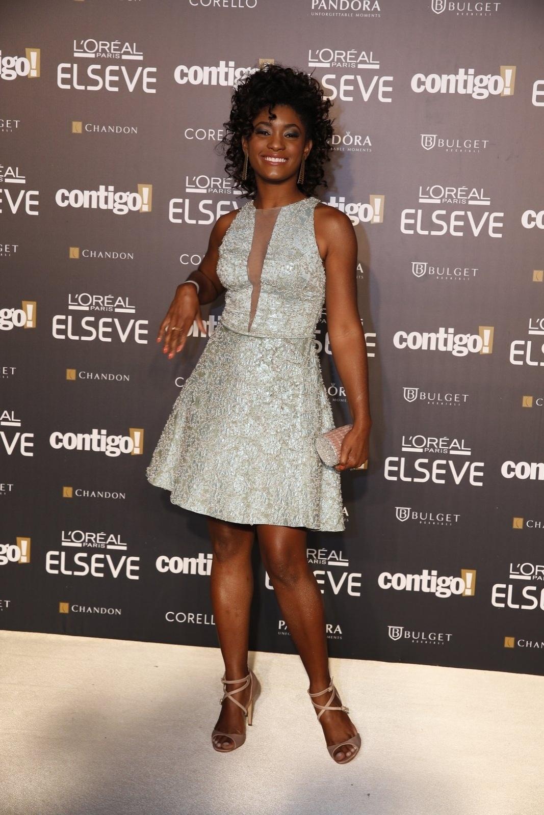 28.jul.2014 - A atriz Érika Januza prestigou a 16ª edição do Prêmio Contigo! de TV, realizado no hotel Copacabana Palace, no Rio