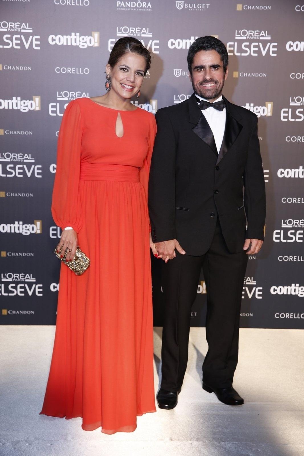 28.jul.2014 - Acompanhada do marido, Marcus Rocha, a atriz Lica Nívea Stelmann prestigou a 16ª edição do Prêmio Contigo! de TV, realizado no hotel Copacabana Palace, no Rio