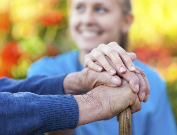 Precisamos nos lembrar que o idoso sempre terá mais experiência e respeitá-lo
