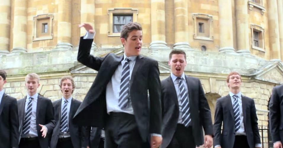 Estudantes de Oxford fazem sucesso na internet com cover de Shakira