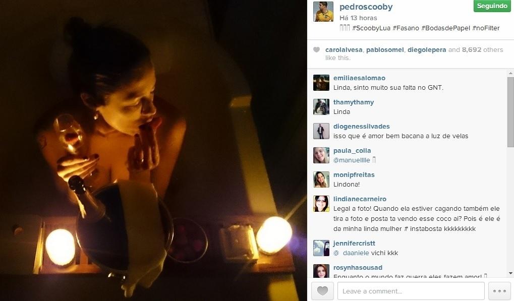 Luana Piovani aparentemente nua em banheira de hotel