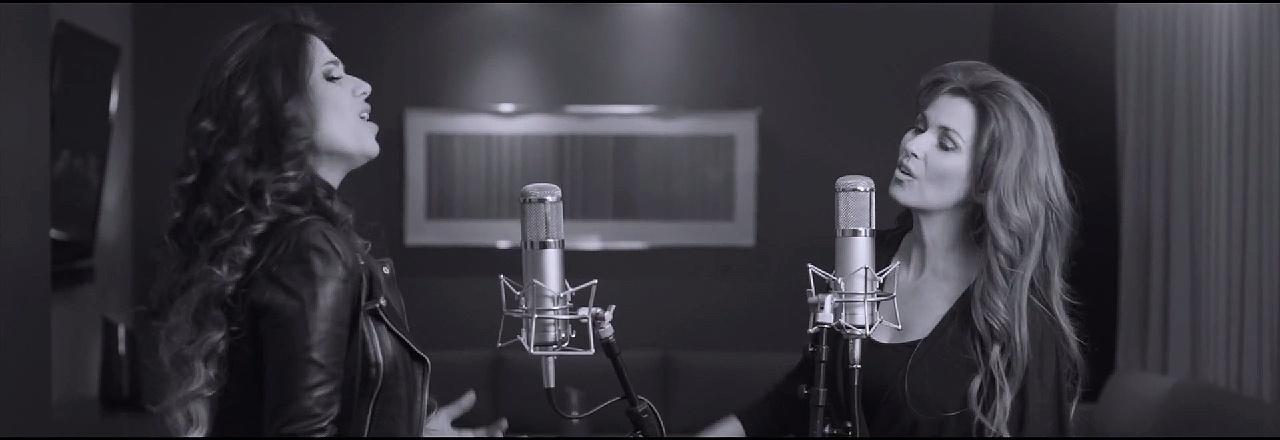Paula Fernandes e Shania Twain em gravação da música