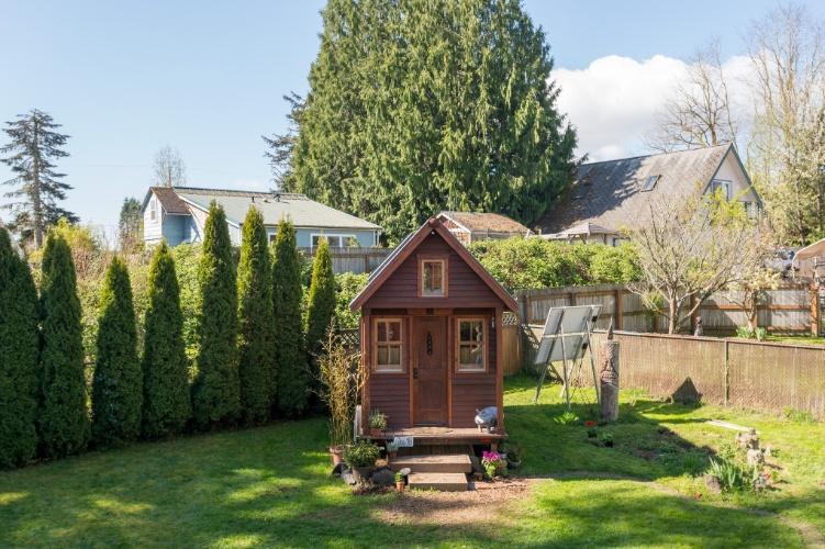 """mini jardim quanto custa : mini jardim quanto custa:Pequena casa """"de bonecas"""" no jardim é moradia permanente de norte"""