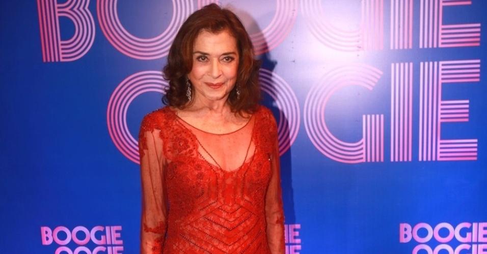 """2.ago.2014 - Betty Faria comparece à festa de lançamento da novela """"Boogie Oogie"""", no Rio"""