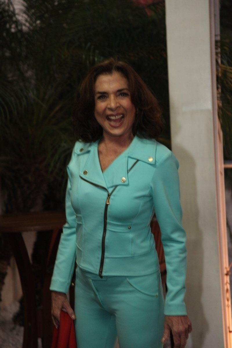 4.ago.2014 - A atriz Betty Faria se reuniu com o elenco de